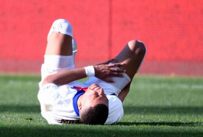 Ο σοβαρός τραυματισμός του Μπαπέ (vid) | panathinaikos24.gr