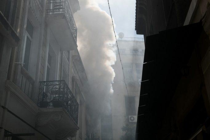 Φωτιά σε κτίριο στο κέντρο! (vid) | panathinaikos24.gr