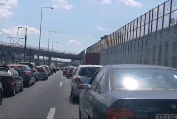 Χάος στην Εθνική Οδό! Ουρές χιλιομέτρων στον Κηφισό | panathinaikos24.gr