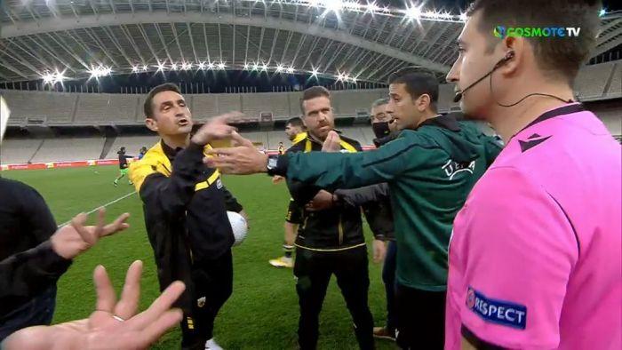 ΑΕΚ – ΠΑΟΚ: Ένταση μεταξύ Χιμένεθ και διαιτητή με τη λήξη του ματς (VID) | panathinaikos24.gr