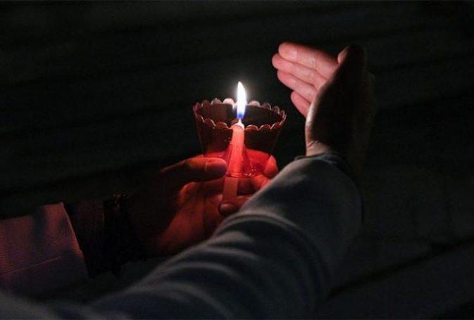 «Αντάρτικο» από εκκλησία στην Κύμη: Αποφάσισε μόνη της να κάνει Ανάσταση τα μεσάνυχτα | panathinaikos24.gr