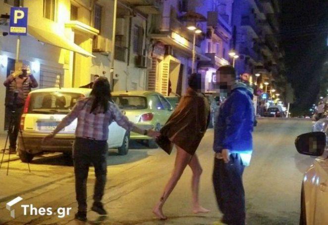 Θεσσαλονίκη: Γυναίκα γδύθηκε στο κέντρο της πόλης (pics)   panathinaikos24.gr